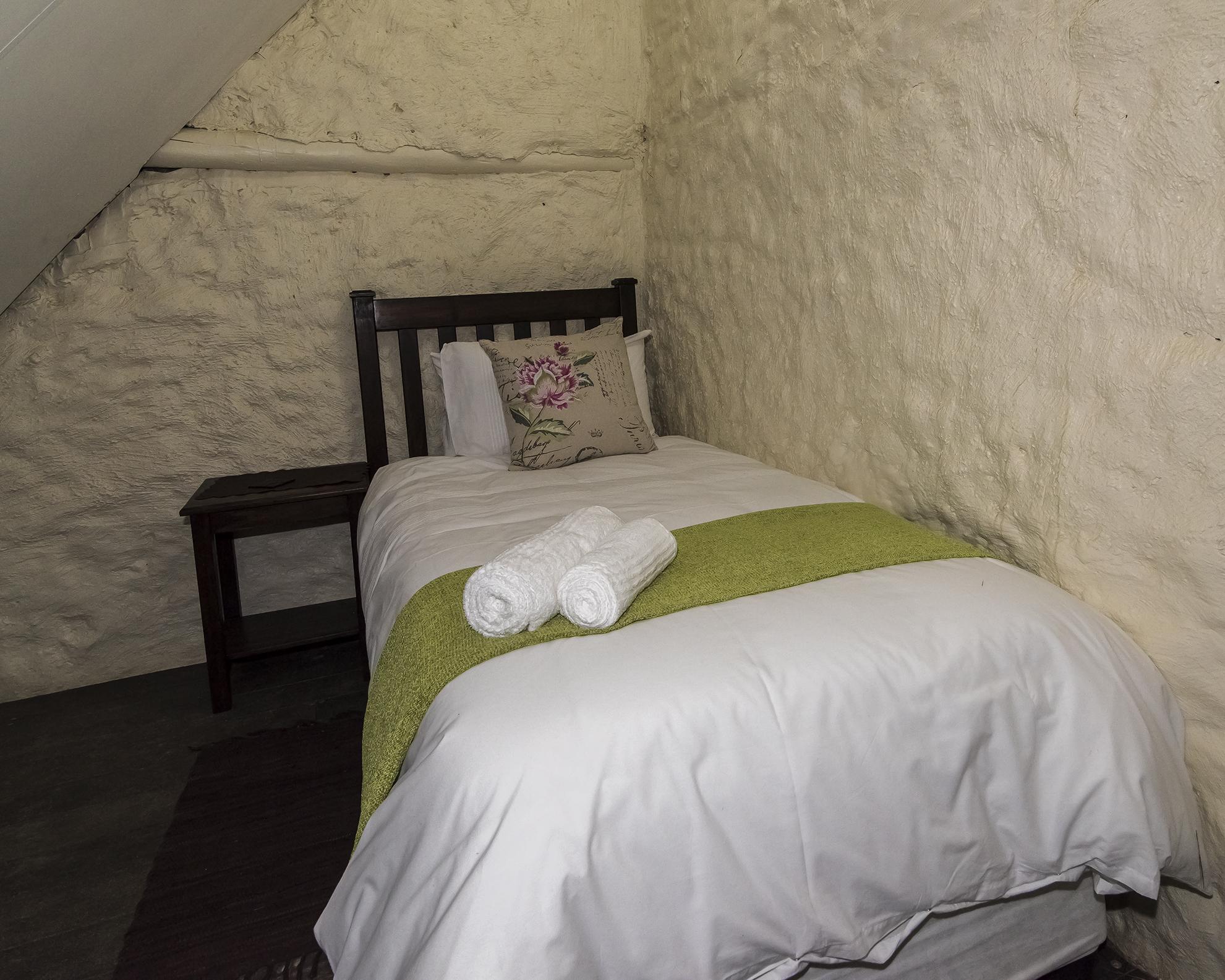 room 4 loft 1-8