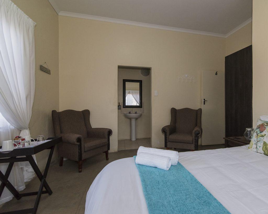 room 6-2 1-8